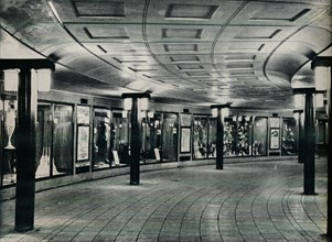Circulating area of Piccadilly Circus Station, 1929. Artist: Unknown