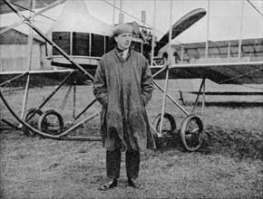 London-Manchester Air Race: Mr Jack Alcock and his Maurice Farman biplane, 1914 (1934). Artist: Flight Photo.