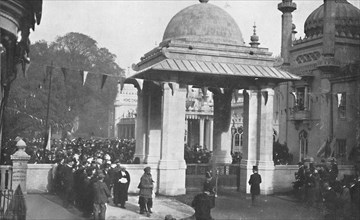 'Unveiling of the Indian Memorial Gateway by the Maharaja of Patiala, 26th October 1921', (1939).  Artist: Unknown.