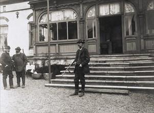 King Gustav V of Sweden on a hunting trip, Isle of Ven, Scania, Sweden, 1909. Artist: Unknown