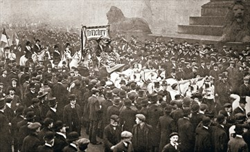Procession to welcome the early release of suffragettes from prison on 19 December 1908. Artist: Unknown
