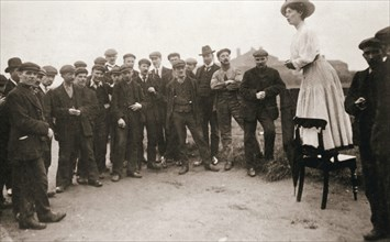 Una Dugdale, British suffragette, campaigning at the Newcastle by-election, September 1908. Artist: Unknown