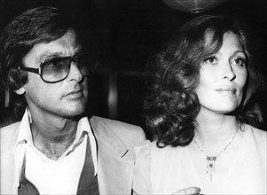 Robert Evans and Faye Dunaway at the premiere of 'Chinatown', 1974. Artist: Jerry Watson