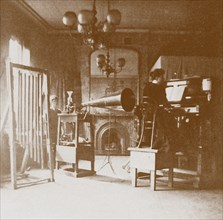 A lady pianist at the first Emil Berliner studio in London, Cockburn Hotel, 1898. Artist: Anonymous