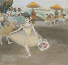 Danseuse au bouquet, saluant sur la scène (Dancer with bouquet), 1878.
