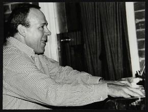Ted Beament on piano at The Fairway, Welwyn Garden City, Hertfordshire, 28 November 1993. Artist: Denis Williams