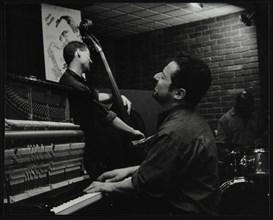 The Jonathan Gee Trio in concert at The Fairway, Welwyn Garden City, Hertfordshire, 7 February 1999. Artist: Denis Williams