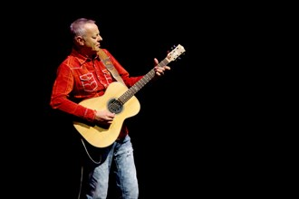 Tommy Emmanuel, Hawth, Crawley, West Sussex, January 12, 2017. Artist: Brian O'Connor.