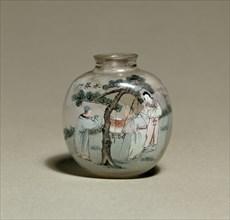 Snuff bottle with figures by a tree, 1903. Artist: Ye Zhongshan.