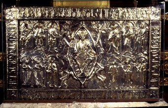 Holy Ark (s. XI), it's part of the cathedral treasure preserved in the Holy Chamber of the Oviedo?