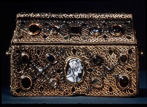 Reliquary of Theodoric, allegedly belonging to the Ostrogothic King Theodoric the Great, preserve?