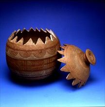 Gear-shaped urn, Iberian pottery with geometrical decoration, from the tomb 37 of the necropolis ?