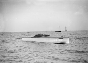 The hydroplane 'Columbine' at anchor. Creator: Kirk & Sons of Cowes.