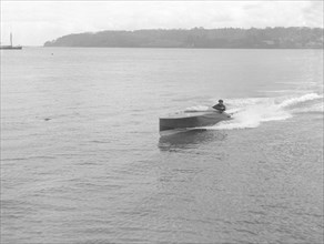Unknown hydroplane underway, 1914. Creator: Kirk & Sons of Cowes.