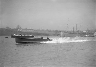 Unknown hydroplane underway, 1912. Creator: Kirk & Sons of Cowes.