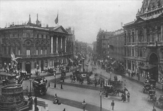 Piccadilly Circus', 1909.