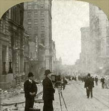 California St., looking forward toward the ferry depot - Banking District', 1906.