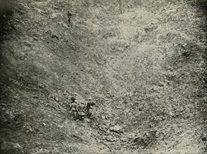 A Mine Crater in High Wood', (1919).