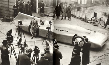 'Sir Malcolm Campbell's Bid for a New Record',1935