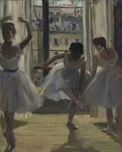 Danseuses dans une salle d'exercice (Trois Danseuses) , 1873. Creator: Degas, Edgar (1834-1917).