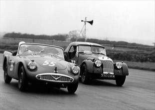 1961 Daimler SP250, Hon. B.Fielding and Morgan +4, Jones. At Silverstone. Creator: Unknown.