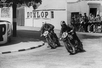 Matchless & Norton 1948 Isle of Man Clubman's Tourist Trophy race. Creator: Unknown.