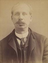 Cottée. Edouard, Eugène. 37 ans, né à Paris XVle. Artiste-peintre. Vol par complicité. 6/2/92. , 1892.