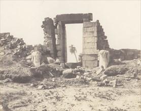 Karnak (Thèbes), Premier Pylône - Ruines de la Porte et des Colosses, Vues du Point E, 1851-52, printed 1853-54.