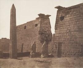 Louksor (Thèbes), Construction Antérieure - Pylône Colosses et Obélisque, 1851-52.