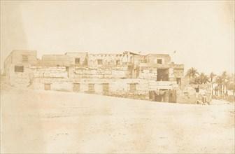 Habitation de l'équipage de l'allège de Luxor, bâtie sur la terrasse du Palais, 1849-50.