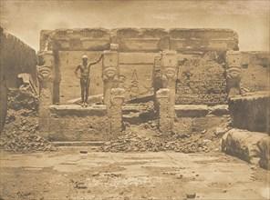 Hypètre d'Athor, sur la Terrasse du grande Temple de Dendérah (Tentyris), 1849-50.