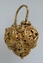 Basket Earring, Byzantine, 10th-11th century.