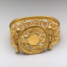 Bracelet with Grapevine Pattern, Byzantine, late 6th-early 7th century.
