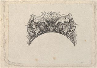 Arched framing element for banknote
