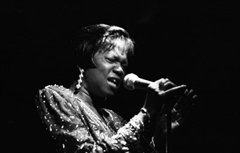 Ernestine Anderson, Ronnie Scott?s Jazz Club, Soho, London, Oct 1994.
