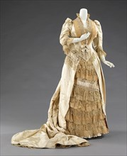 Court presentation dress, French, ca. 1885. Dress worn for a presentation to Princess Alexandra of Denmark (1844-1925) at the court of Queen Victoria (1819-1901).