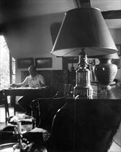 Christian Dior dans sa propriété de Milly-la-Forêt