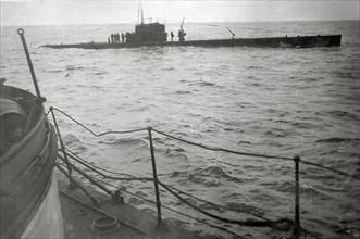 """Torpillage du sous-marin gouvernemental """"B6"""" au large de la Corogne, en 1936"""