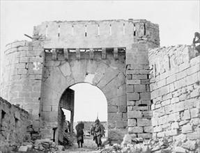 La vieille porte d'Alcaniz en mars 1938