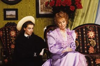 Marie-Sophie Pochat et Danielle Darrieux, 1985