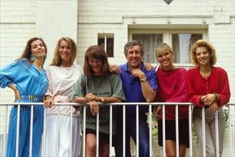 Stéphane Collaro et Catherine Corbineau entourés de Coco-girls