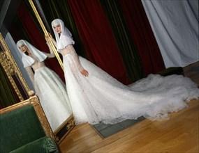 Stéphanie Seymour habillée en Azzedine Alaïa.
