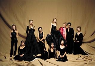 Jeanne Moreau entourée de jeunes actrices