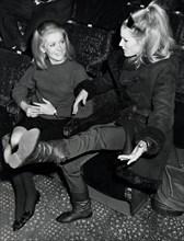 Catherine Deneuve et Ursula Andress, 1966