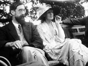 VIRGINIA WOOLF with Lytton Strachey at  Garsington  Manor near Oxford in 1923