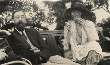 Vintage snapshot of Lytton Strachey and Virginia Woolf. June 1923 253 Lytton Strachey and Virginia Woolf by Ottoline Morrell
