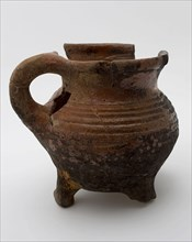 Small pottery cooking jug on three legs, grape-model, thick rings on the shoulder, cooking pot crockery holder kitchenware
