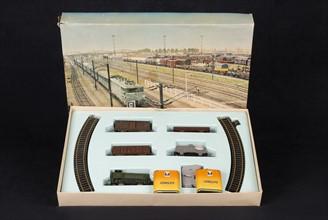 Jouet : coffret petit train électrique