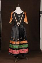 Costume de théâtre : robe de gitane