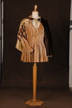 Costume de théâtre : costume d'homme style Moyen âge